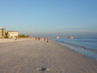 strand-von-fort-myers-beach