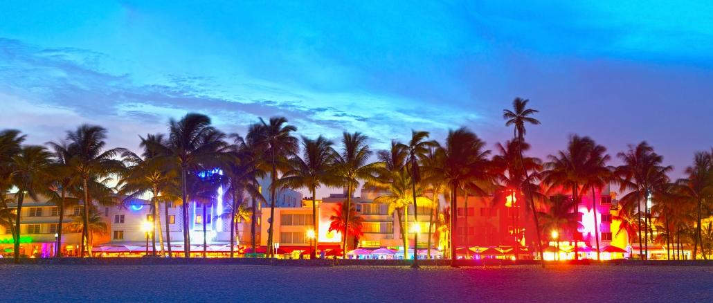 Ocean Drive Ist Die Flaniermeile In Miami Beach Florida