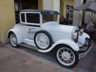 Ford's Garage Estero