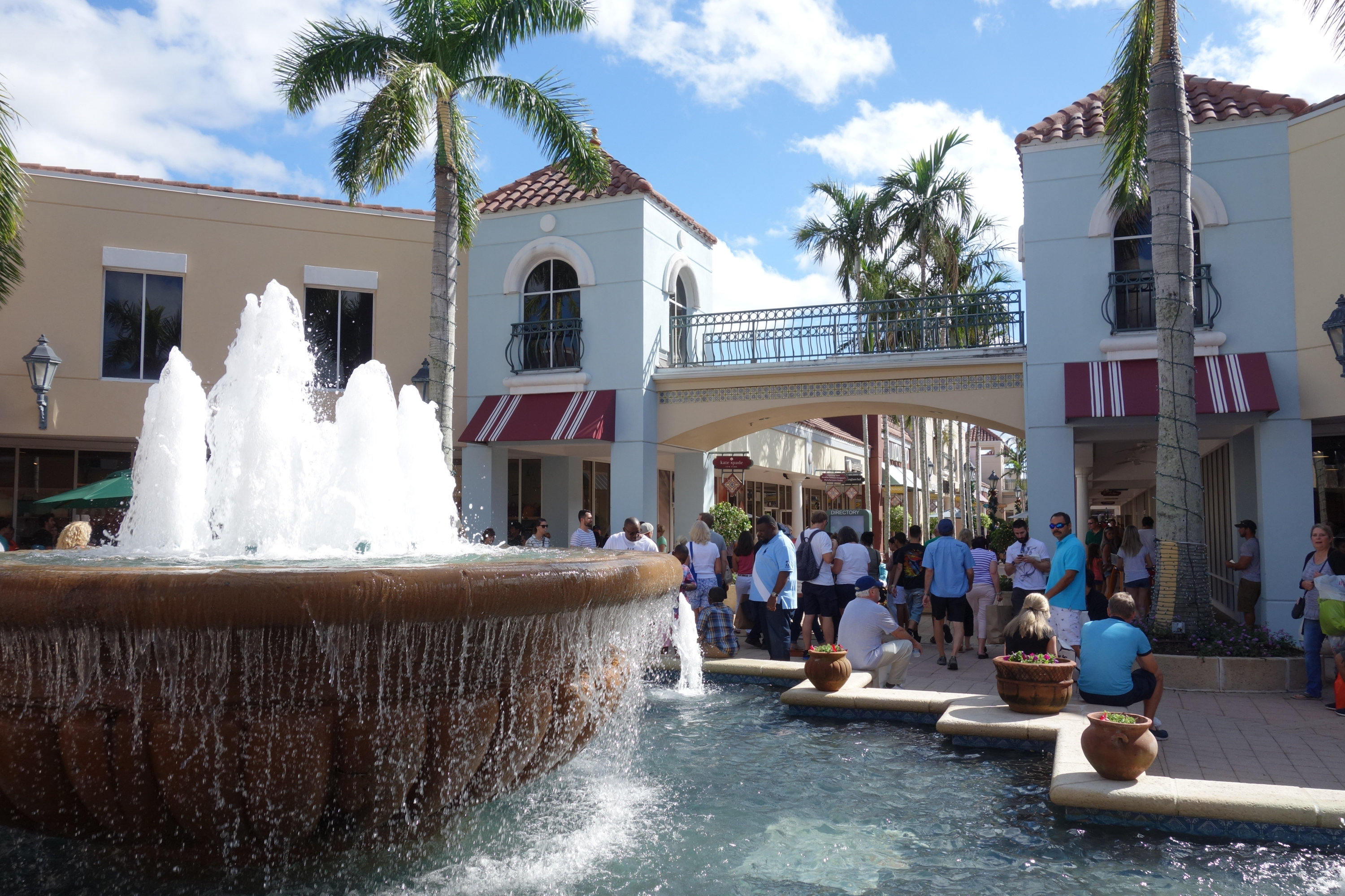 Miromar Outlets in Estero Florida